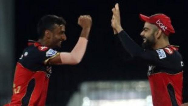 IPL 2021: शाहबाज अहमद ने खुलासा किया कि 17 वें ओवर में विराट कोहली ने उन्हें गेंद क्यों सौंपी