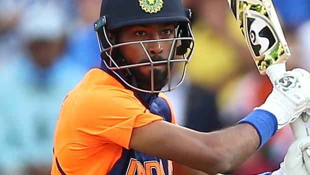 IPL 2020: Aakash Chopra backs Hardik Pandya to be MVP of the season