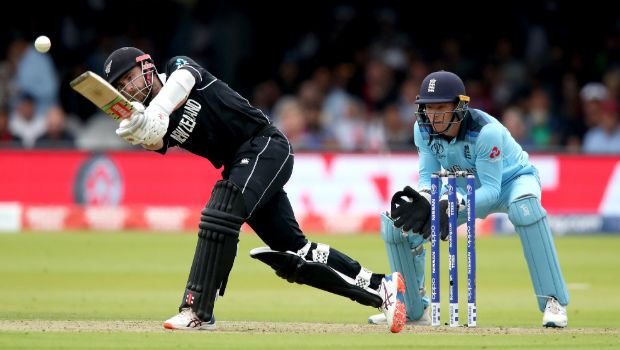 IPL 2020: Kane Williamson is batting at number four to help young batsmen in lower-middle order - Trevor Bayliss
