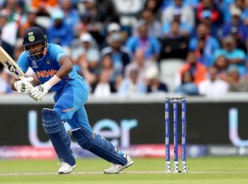 Match Prediction for the game between Mumbai Indians and Sunrisers Hyderabad